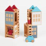 Hochwertiges Konstruktionsspielzeug, Häuser mit Autos und Figuren, Buchenholz, rot-türkises Design Lubulona