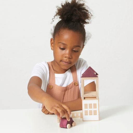 Lubulona Lubu Town Autumnvale Mini city construction wooden toy with kid playing
